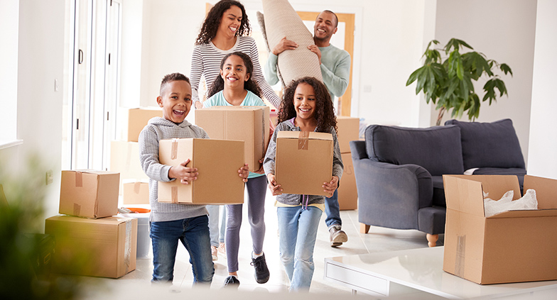 How to Stay Organized for a Summer Move